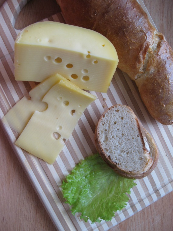 Italian Bread and cheese