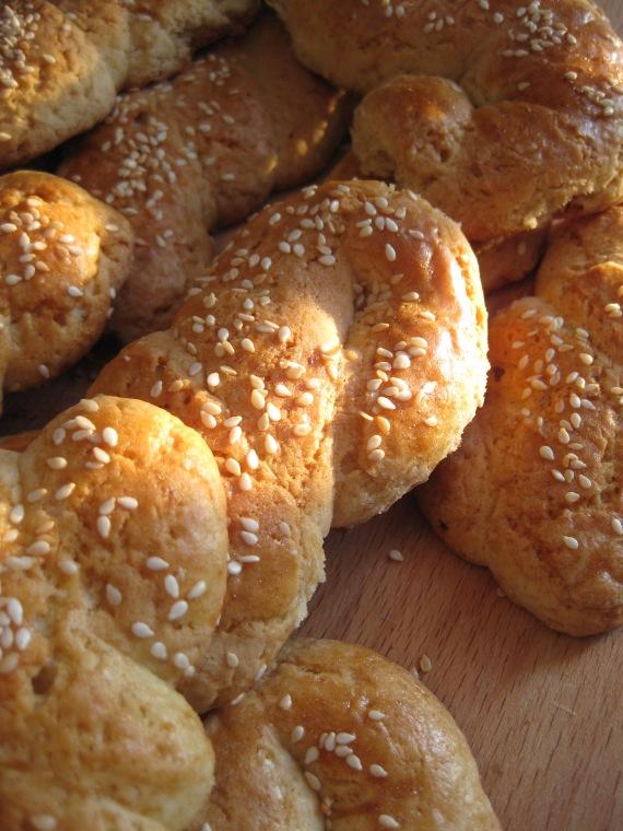 Koulourakia - Greek Butter Cookies with Sesame