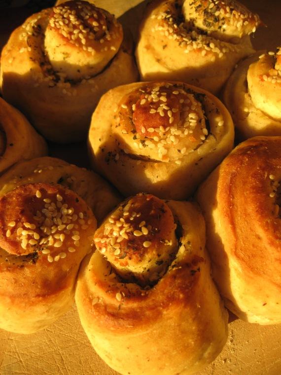 Garlic Rolls from tasteofpearlcity.blogspot.com