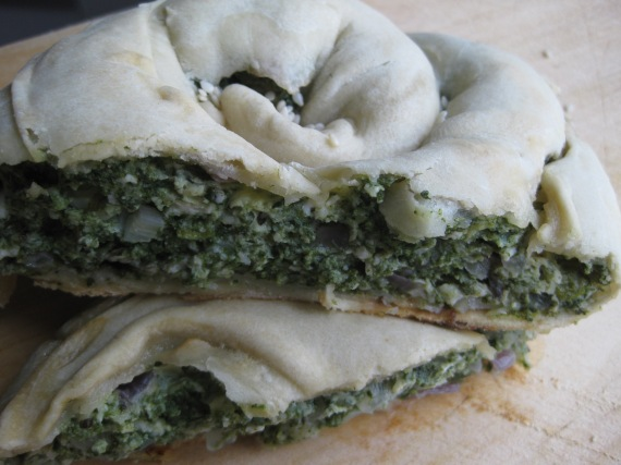 Spinach pie from www.toarkoudi.gr