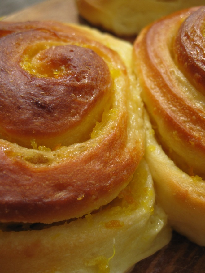 Orange Sweet Rolls from www.melskitchencafe.com
